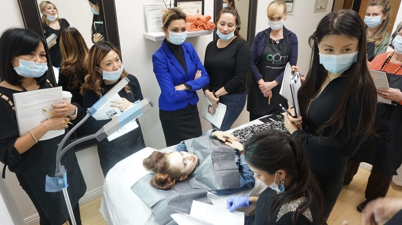 microblading-training-image-40